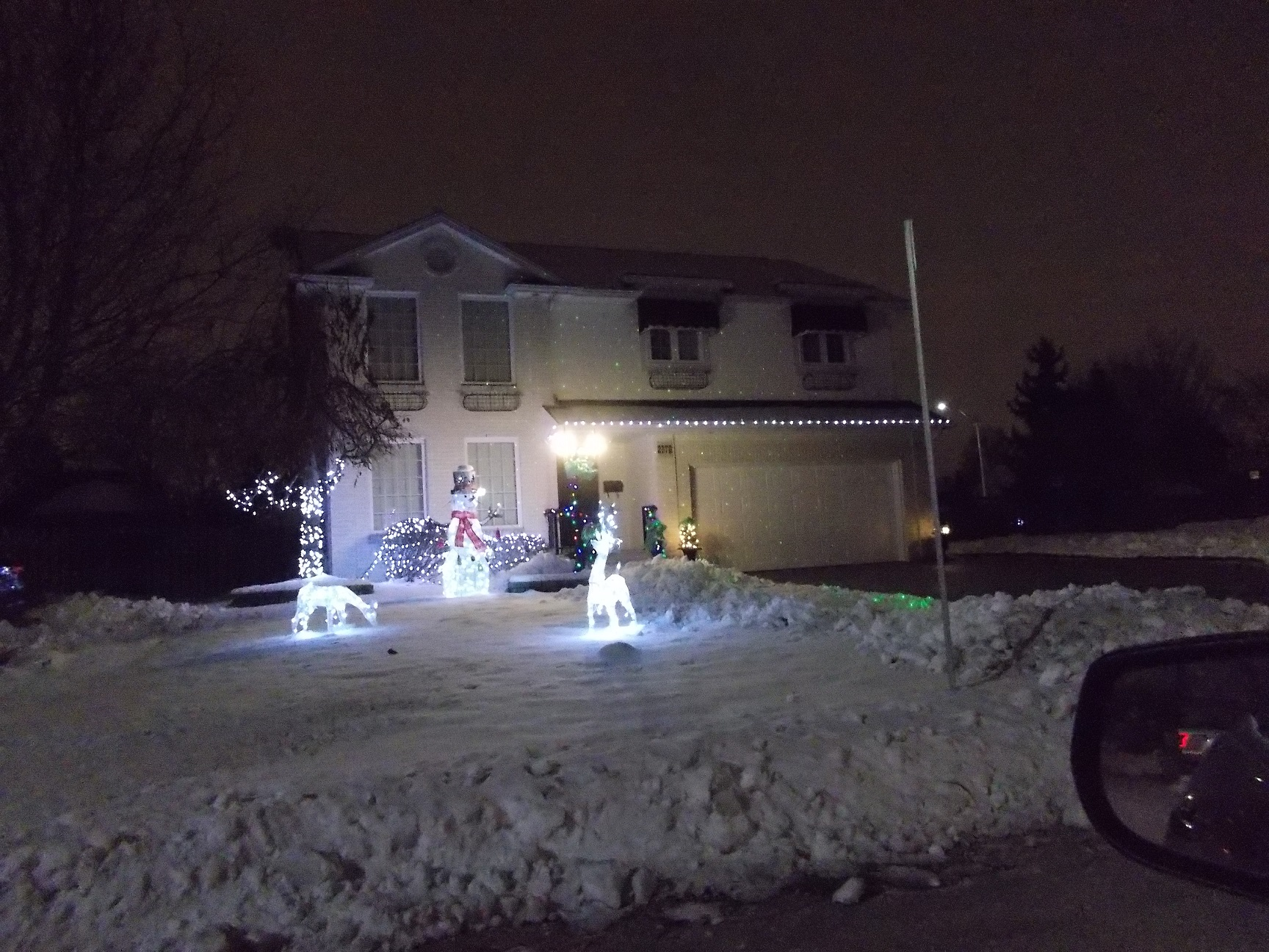 third place winner, 2670 Brideway Blvd lit up with christmas lights